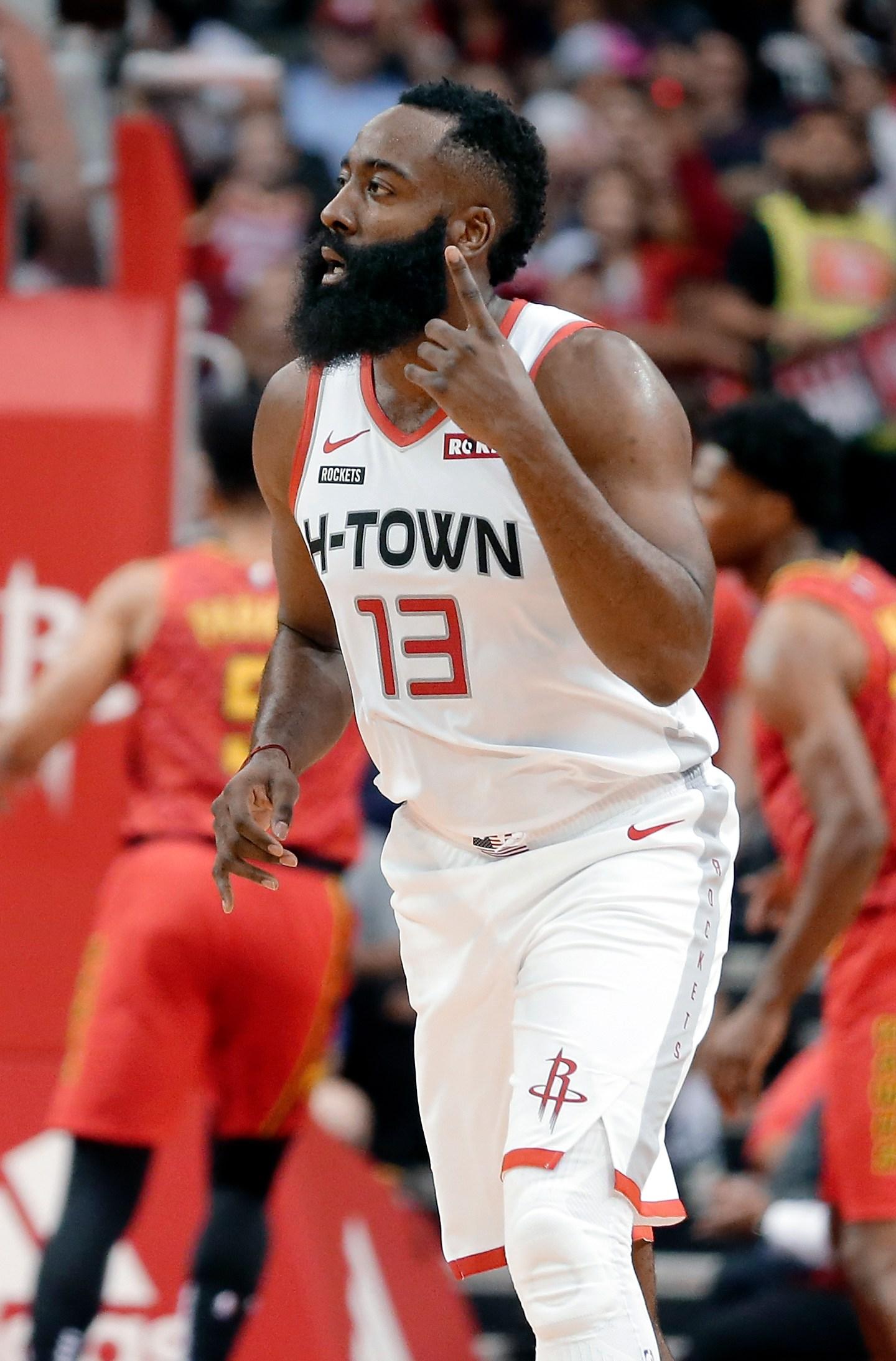 Harden Scores 60 In 31 Minutes Rockets Rout Hawks 158 111 Kwkt