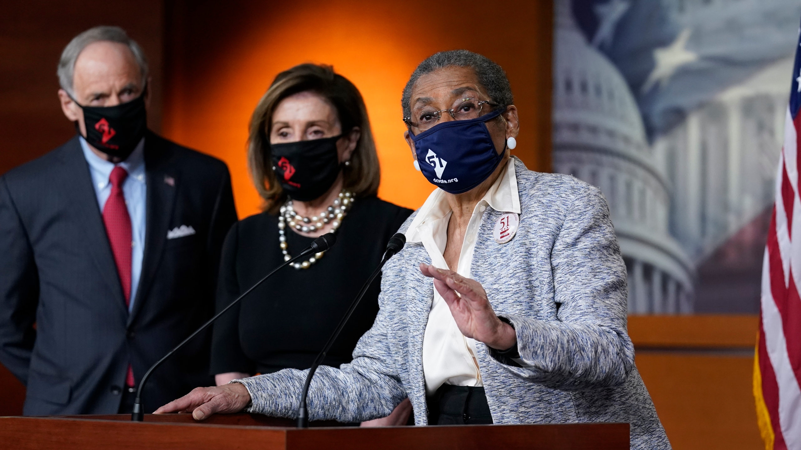 Nancy Pelosi, Eleanor Holmes-Norton, Tom Carper