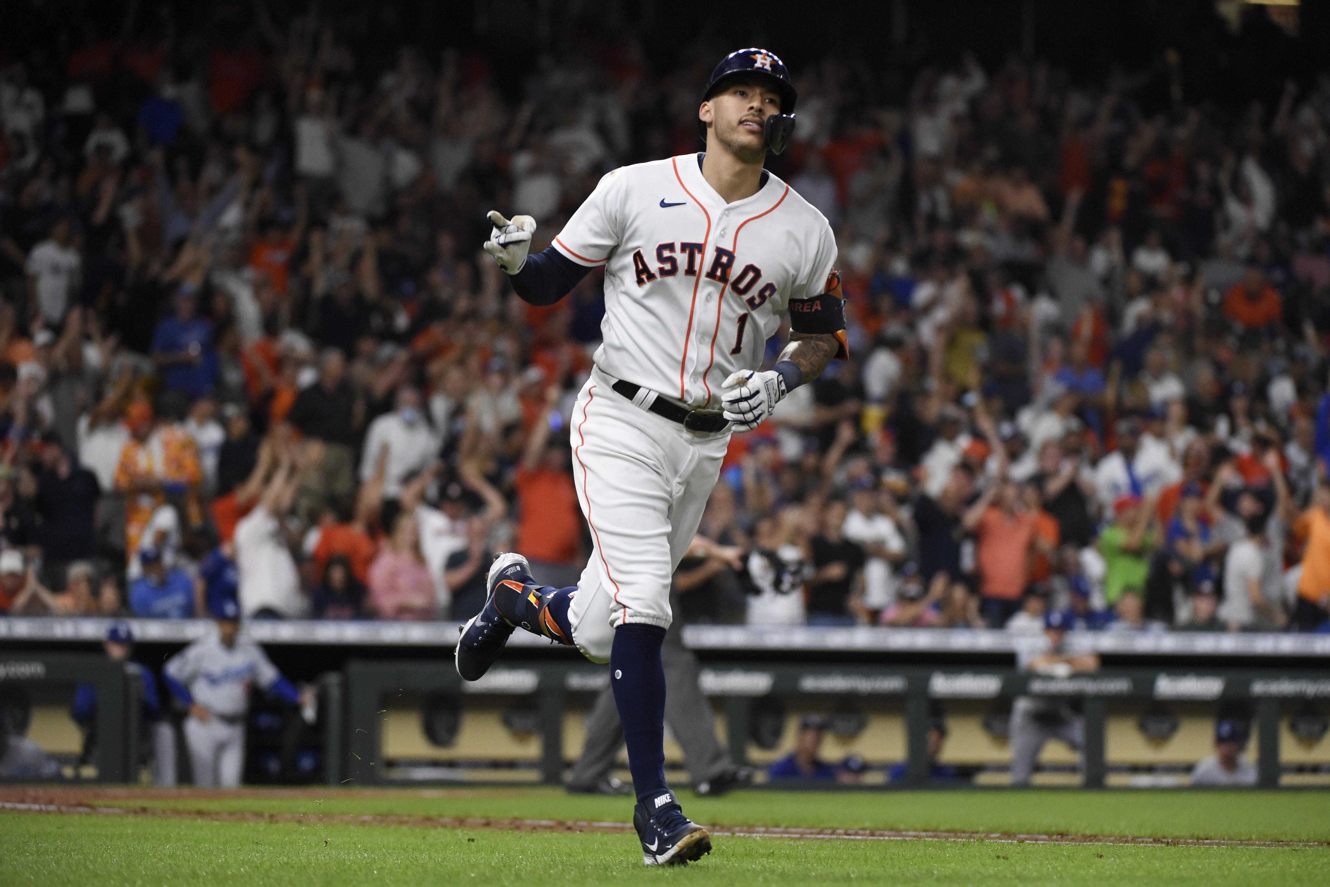 Astros slug 3 homers to end skid with 5-2 win over Dodgers | KWKT ...